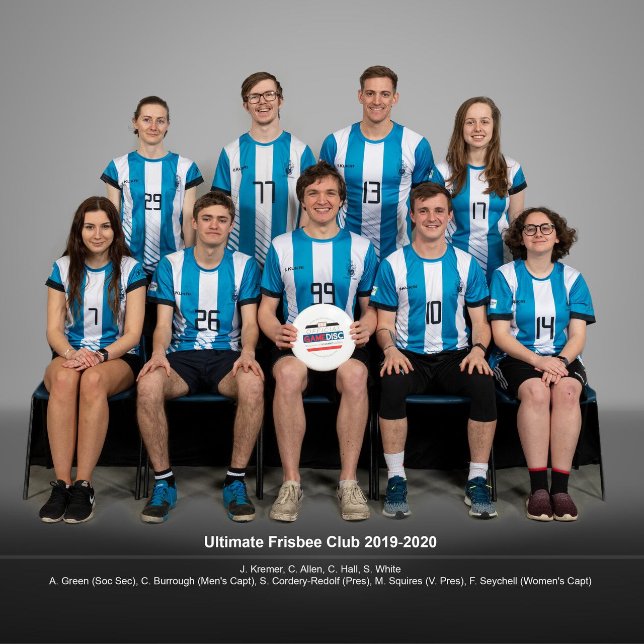 Full team photo of the Ultimate Frisbee Club