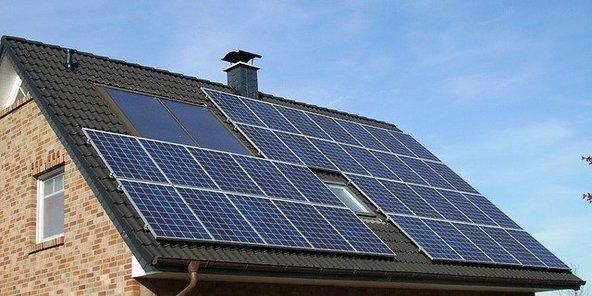 Solar panel array 640